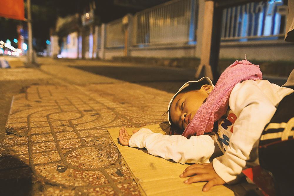 nghỉ thôi, đêm đã khuya, thân đã mệt rồi