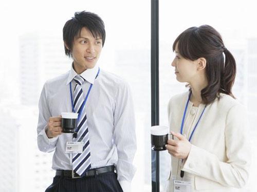 Những cách giúp bạn thân thiết hơn trong môi trường công sở