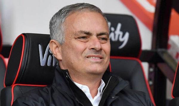 Duncan Castles tin rằng Mourinho có thể cuốn gói bất cứ lúc nào