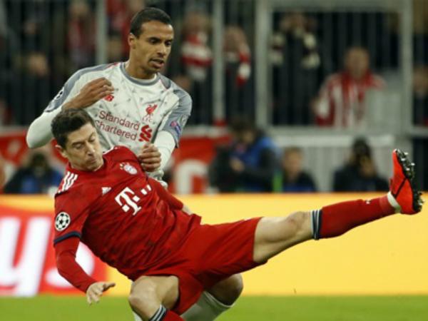 Lewandowski chia sẻ Bayern đã tự bó buộc mình khi thua Liverpool