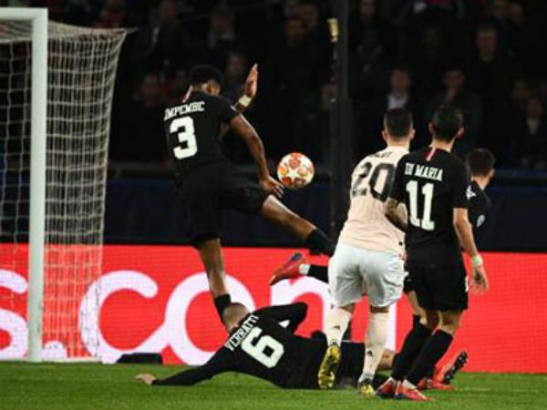 UEFA lý giải về quả phạt đền giúp MU loại PSG