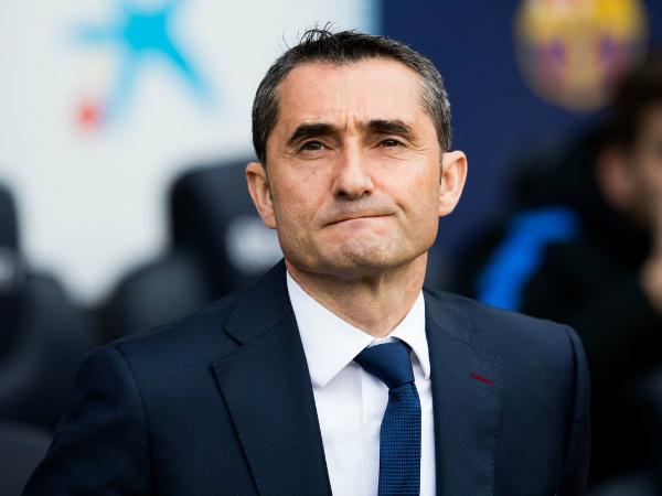 HLV Valverde lo lắng về Messi, tỏ ra cẩn trọng trước MU