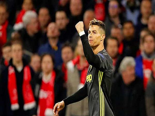 Ronaldo vụt sáng, gáo nước lạnh thần tốc
