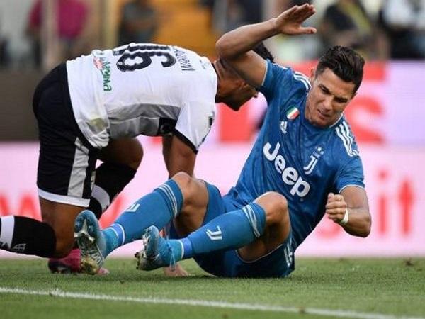 Parma 0-1 Juve: 'Bom tấn' ngồi dự bị