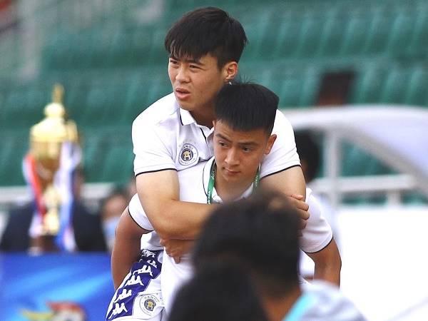 Bóng đá Việt Nam 4/3: Duy Mạnh lên tiếng sau khi gặp chấn thương nặng