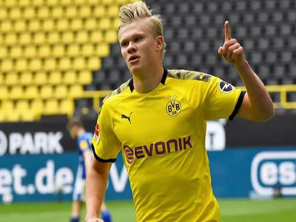 Dortmund phạm sai lầm khi không mua thêm tiền đạo