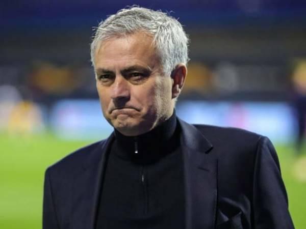 Tin bóng đá 10/4: Mourinho là người gần nhất giúp M U giành danh hiệu.